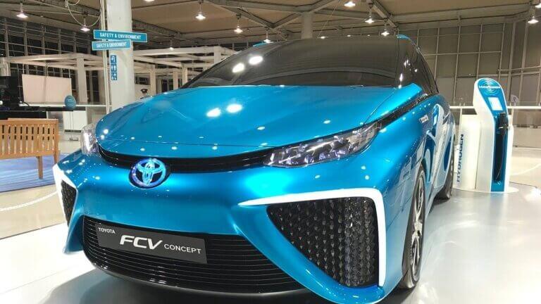 FCV(燃料電池車)とは?仕組みやメリット・デメリットをわかりやすく解説!